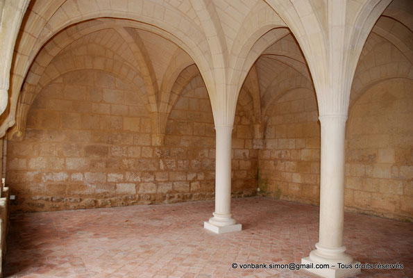 [NU904-2015-0037] 17 - Trizay - Prieuré Saint-Jean l'Évangéliste : Salle capitualire (XIII°)