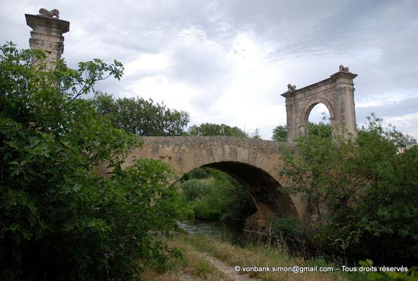 [NU002a-2016-0231] Saint-Chamas - Pont Flavien