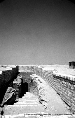 [087-1973-43] Saqqara - Serapeum : Accès à la nécropole souterraine