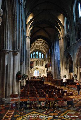 [NU002p-2016-0110] Dublin - Cathédrale Saint-Patrick : Nef et choeur