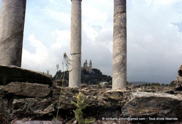 [037-1980-11] Annaba (Hippo Regius) : Basilique Saint-Augustin vue depuis le quartier du forum
