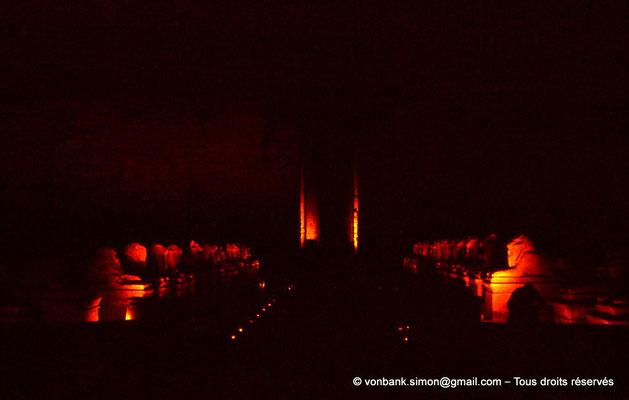 [085-1973-35] Karnak - Son et lumière : Parvis du Temple - Dromos de sphinx à tête de bélier (criocéphale)