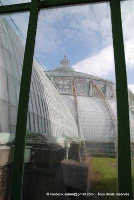 [NU900c-2012-0042] B - Bruxelles - Laeken : Serres royales - Jardin d'hiver - La coupole