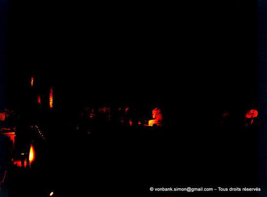 [084-1973-12] Karnak - Son et lumière : Parvis du Temple - Dromos de sphinx à tête de bélier (criocéphale)