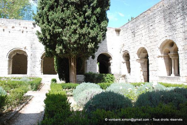 [NU003-2017-069] 13 - La Roque d'Anthéron - Abbaye de Silvacane : Cloître