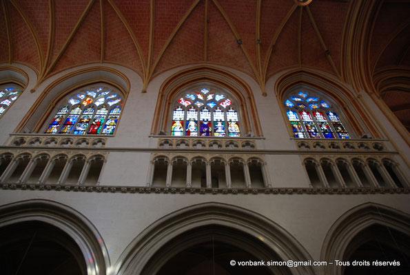 [NU002k-2016-0019] 29 - Quimper - Cathédrale Saint-Corentin : Fenêtres de la nef, côté Nord (Vitraux du XVI° en grande partie restaurés au XIX°) [127, 125, 123]