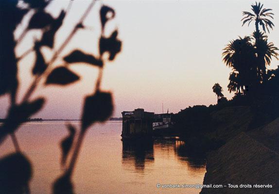 [083-1973-32] Louxor : le Nil
