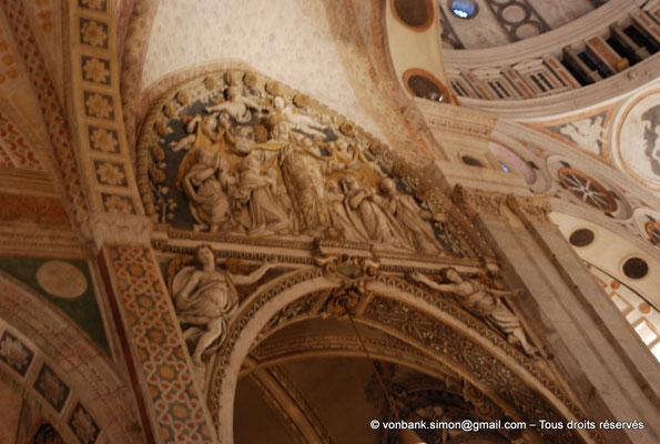[NU908-2015-0864] Milan - Santa Maria delle Grazie : Partie supérieure du portail intérieur de la chapelle de la Madonne des Grâces
