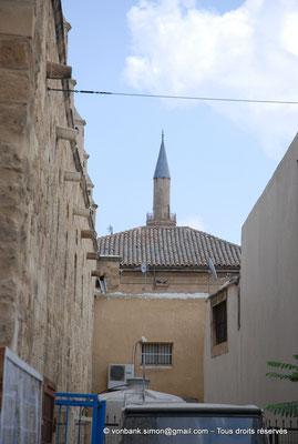 [NU905-2014-0279] Nicosie - Agia Sophia : Mur extérieur du Büyük Han - en arrière-plan, minaret Nord de la mosquée Selimiye