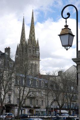 [NU002k-2016-0002] 29 - Quimper - Cathédrale Saint-Corentin : Les flèches de la façade occidentale (1854)