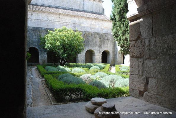 [NU003-2017-063] 13 - La Roque d'Anthéron - Abbaye de Silvacane : Cloître
