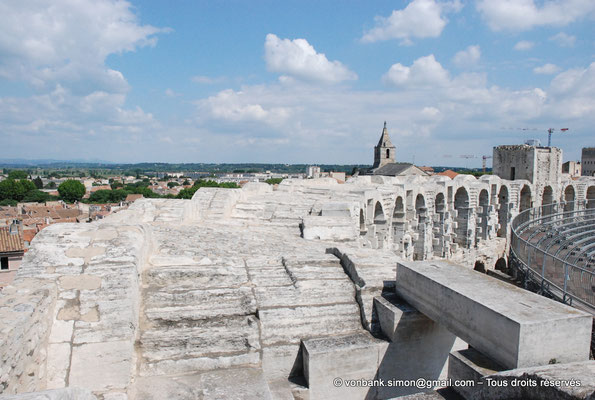 [NU001k-2018-0023] Arles (Arelate) - Amphithéâtre : Extrados des arcades supérieures