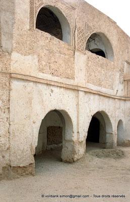 [C002-1990-18]  Temacine-Tamelhat - Habitation à loggias et façade ouvragée