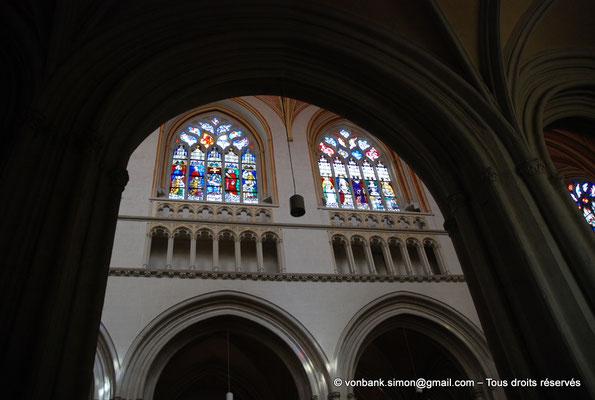 [NU002k-2016-0018] 29 - Quimper - Cathédrale Saint-Corentin : Fenêtres de la nef, côté Nord (Vitraux du XVI° en grande partie restaurés au XIX°) [127, 125]