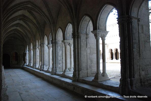 [NU001i-2018-0065] 13 - Arles - Saint-Trophime - Cloître : Galerie gothique Ouest (XIV°)