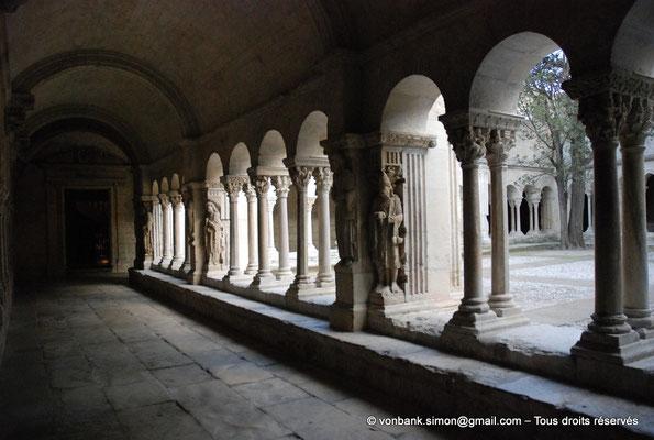 [NU001i-2018-0069] 13 - Arles - Saint-Trophime - Cloître : Galerie romane Nord (XII°)