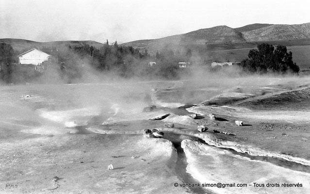 [NB025-1978-43] Hammam Meskoutine (Aquae Thibilitanae) : Vapeur et écoulements des eaux chaudes