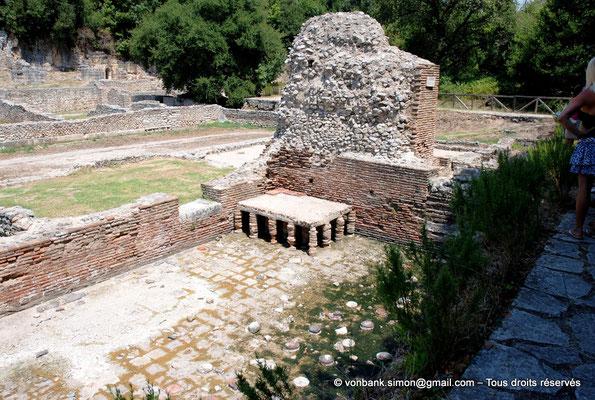 [NU902-2010-108] Butrint (Buthrotum) : Bains publics (Thermes) - Hypocauste du caldarium