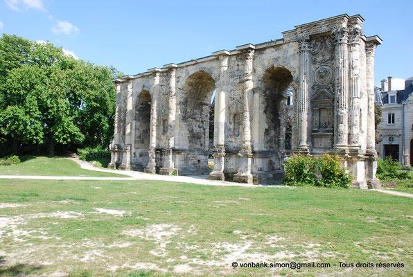 [NU909-2014-0136] Reims (Durocortorum) : Porte de Mars (Face Nord)