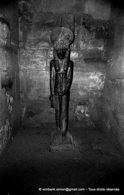 [NB075-1973-52] Karnak - Temple de Ptah : Statue de Sekhmet (chapelle Sud)
