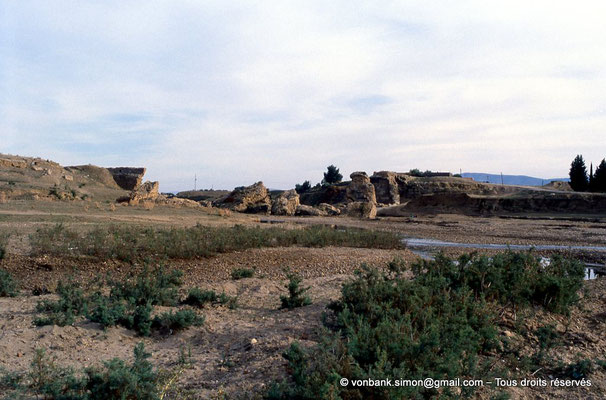 [006-1983-15] Chemtou (Simitthu) : Pont de Trajan