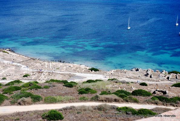 [NU904-2015-234] Tharros (Sardaigne) : Vue partielle du site archéologique depuis la terrasse de la tour espagnole San Giovanni