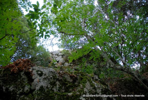 [NU904-2015-130] Nuraghe Majori (Sardaigne) : Extérieurs