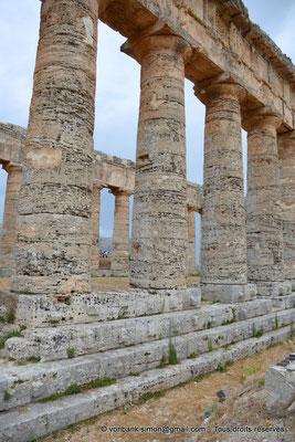 [NU906-2019-1393] Ségeste : Temple inachevé - Face Sud (vue partielle de sa partie centrale)