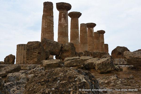 [NU906-2019-1575] Agrigente - Temple d'Héraclès (Hercule) : Face Sud (vue depuis le côté Est du temple)