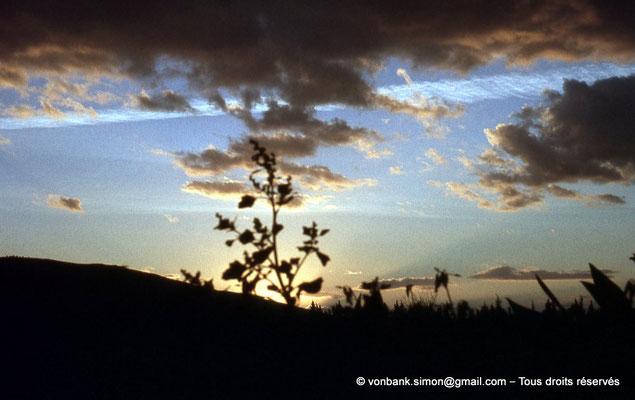 [020-1978-13] Hammam Meskoutine (Aquae Thibilitanae) : Coucher de soleil
