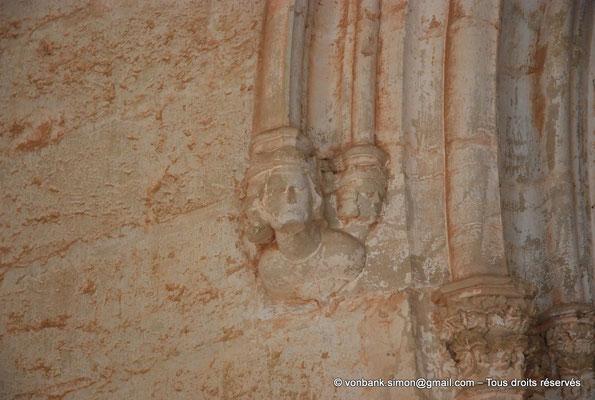 [NU001-2017-540] 34 - Villeveyrac - Valmagne : Culot (narthex) - Saint Louis qui protégea l'abbaye par des lettres patentes