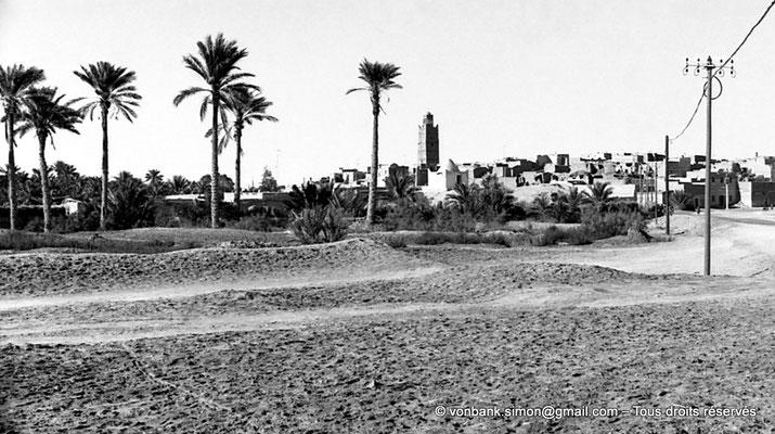 [NB088-1978-19] Temacine-Tamelhat - Village et minaret de la mosquée de Si El Hadj Temacine