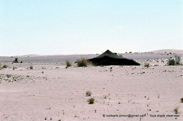 [015-1979-06] Désert - Tente bédouine
