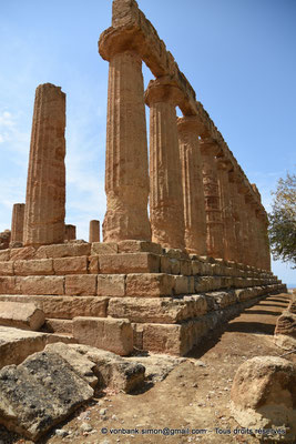 [NU906-2019-1539] Agrigente - Temple d'Héra (Junon) : Angle extérieur Nord-Est