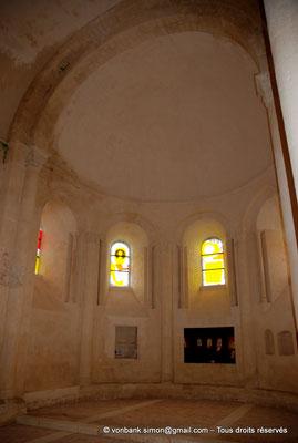 [NU904-2015-0013] 17 - Trizay - Prieuré Saint-Jean l'Évangéliste : Chapelle axiale avec sa voûte en cul-de-four