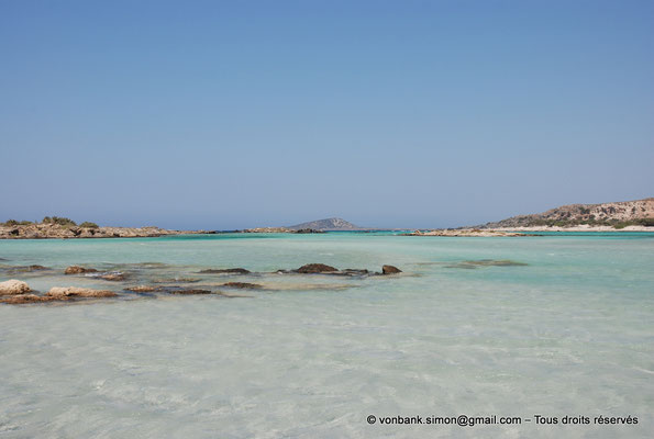 [NU900x-2013-0084] GR - Crète - Elafonissi : Eaux cristallines de la lagune