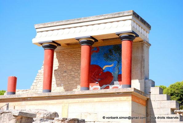 [NU905-2011-189] Cnossos (Crète) : Entrée Nord avec les vestibules à colonnes partiellement reconstitué
