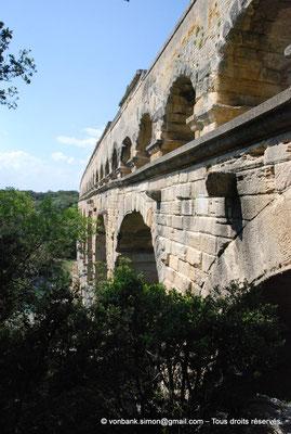 [NU001j-2018-0009] Nîmes (Nemausus) - Pont du Gard : Façade occidentale (vue partielle)
