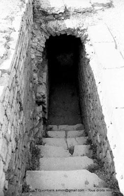 [NB056-1978-44] Timgad (Thamugadi) : Les grands thermes du Sud - Accès aux sous-sols