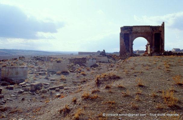 [007-1983-22] Haïdra (Ammaedara) : Arc de Triomphe de Septime Sévère - Façade Nord