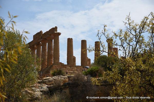 [NU906-2019-1549] Agrigente - Temple d'Héra (Junon) : Angle extérieur Nord-Ouest