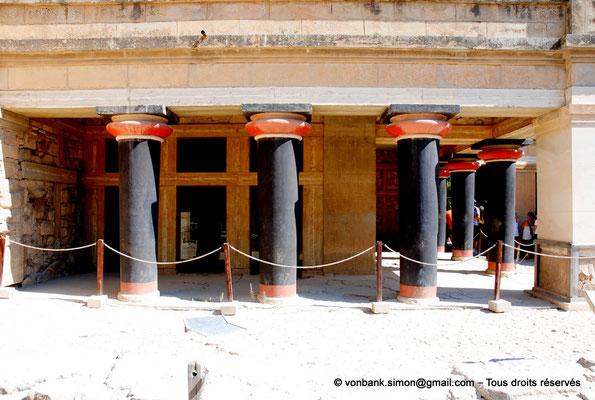 [NU905-2011-178] Cnossos (Crète) : Sanctuaire des doubles haches