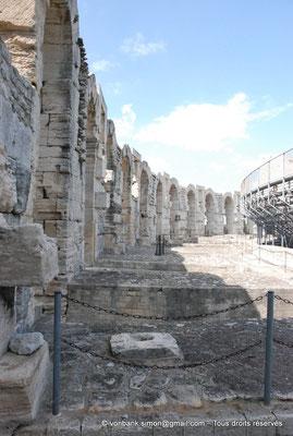 [NU001k-2018-0017] Arles (Arelate) - Amphithéâtre : Arcades supérieures