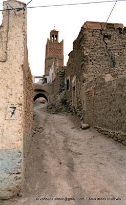 [C002-1990-17] Temacine-Tamelhat - Minaret de la mosquée de Si El Hadj Temacine