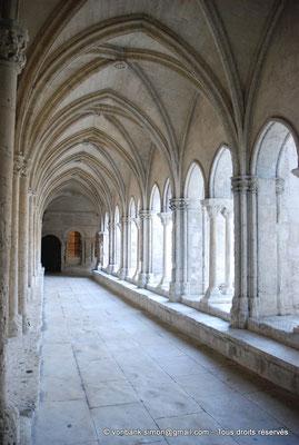 [NU001i-2018-0066] 13 - Arles - Saint-Trophime - Cloître : Galerie gothique Ouest (XIV°)