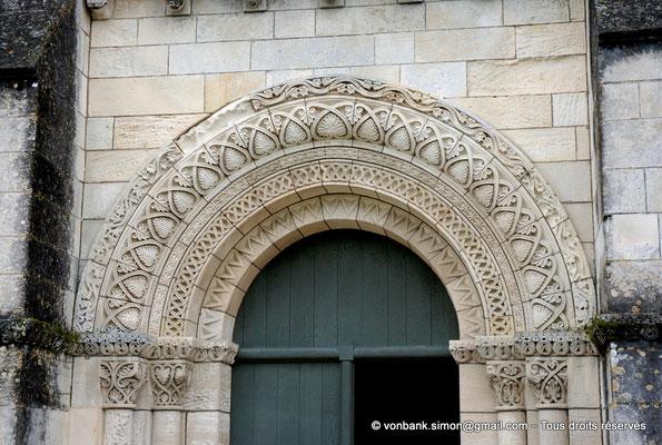 [NU904-2015-0060] 17 - Sainte-Gemme - Façade occidentale : Portail