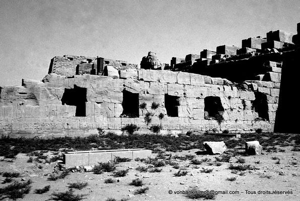 [NB075-1973-78] Karnak - Propylées du Sud : Cour de la cachette