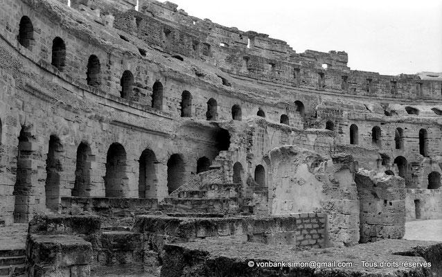 [NB011-1981-31] El Djem (Thysdrus) : Amphithéâtre