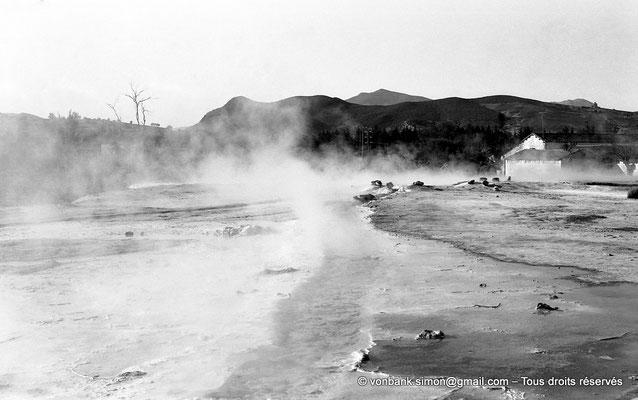 [NB025-1978-41] Hammam Meskoutine (Aquae Thibilitanae) : Vapeur et écoulements des eaux chaudes