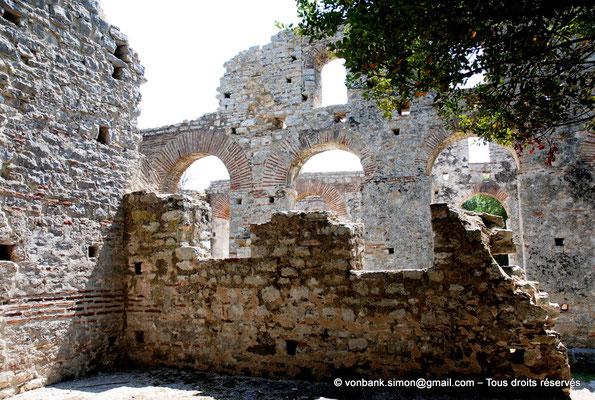 [NU902-2010-136] Butrint (Buthrotum) : Basilique chrétienne reconstruite à l'époque vénitienne